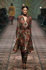 Lena Hoschek präsentiert ihre Kollektion ARTISAN PARTISAN während der Berlin Fashion Week im Jänner 2020. (Photo by Stefan Knauer/Getty Images)
