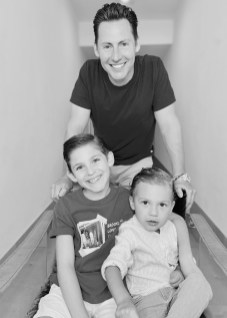 Skypod Founder and CEO Richard Jardine with his two sons Brandon and Preston. (Photo Skypod)