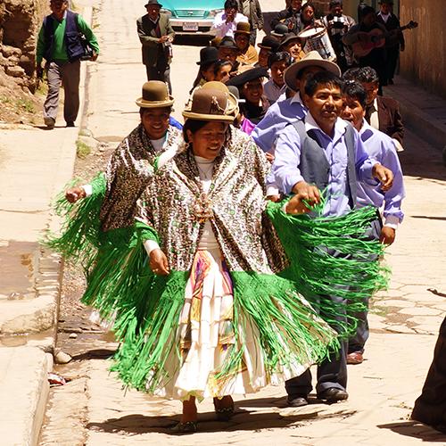 Copacabana Bolivie Cortege Mariage