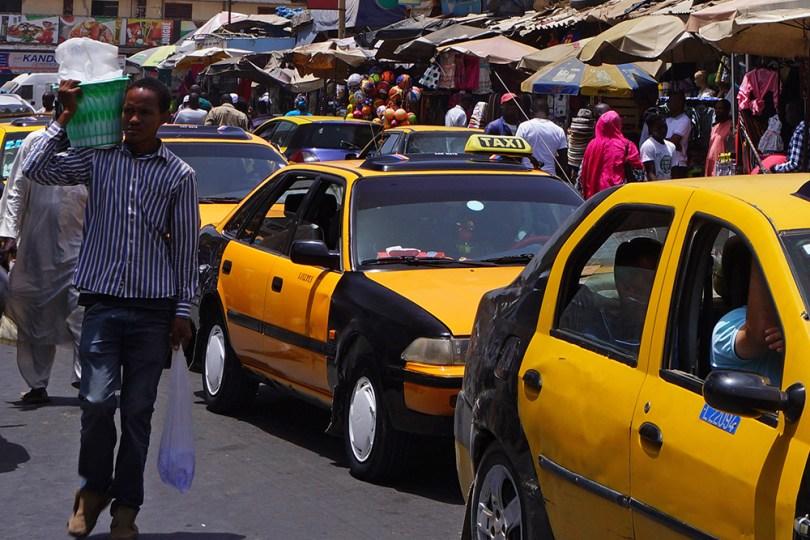 Dakar _ Taxis jaunes