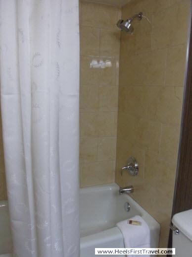 Sheraton Houston North Bathroom