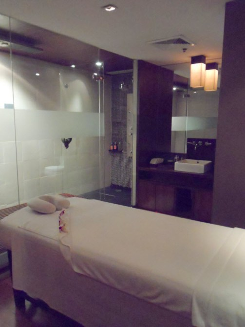 Thai Airways First Class Lounge Royal Orchid Spa