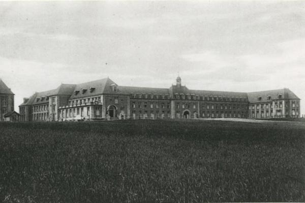 Bron: Rijckheyt.nl | Vroedvrouwenschool, Heerlerbaan in 1932
