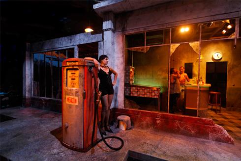 Bron: Christophe Raynaudde | Cultura Nova | Theatre de la Mezzanine (2009)