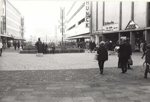 Bron: Rijckheyt.nl | Bioscoop de hollandia gelegen aan de Promenade (rechts voor SCHUNCK)