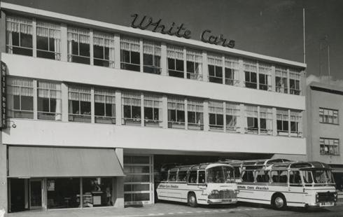 Bron: Rijckheyt.nl | White Hotel en garage voor touringcars van reisbureau White Cars aan de spoorsingel