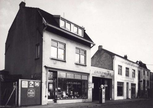 Bron: Rijckheyt.nl | Geerstraat (23-1-1959). Garage J.Kolenburg