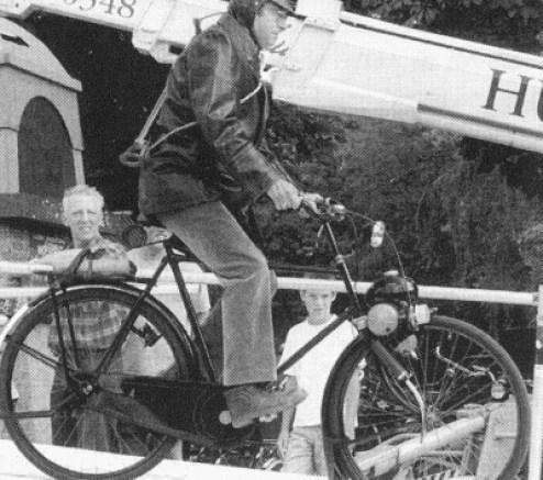 Bron: Batavusbromfietsclub.nl   Een Hollands succesverhaal uit de jaren '50 was dat van de Berini M13, ofwel het onsterfelijke 'Ei'