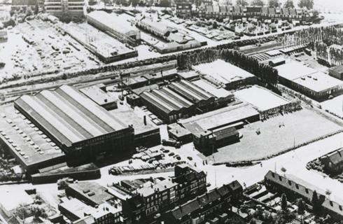 Bron: Rijckheyt.nl | Luchtfoto van de Glasmaatschappij op de Kissel. (1952)