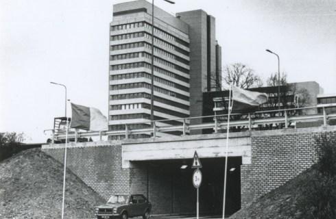 Bron: Rijckheyt.nl | 'ABP-tunneltje' onder de Keulseweg. Op de achtergrond het Algemeen Burgerlijk Pensioenfonds.