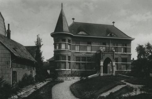 Bron: rijckheyt.nl | Valkenburgerweg. Villa Widdershoven (Coriovallum) ca. 1930.