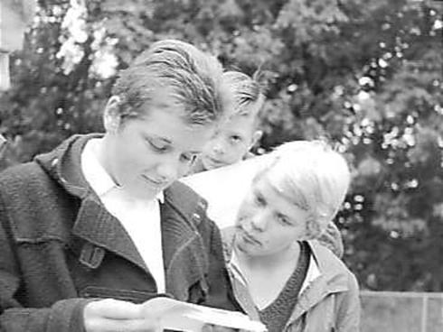 Bron: Gahetna.nl | Zwemkampioenschappen van Nederland in Heerlen. Erica Terpstra en Ineke Tigelaar - 4 augustus 1961