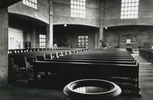 Bron: Rijckheyt.nl | Interieur van de St.Annakerk (15-11-1953).