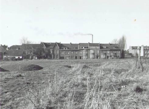 Bron: Rijckheyt.nl | Coriovallumstraat. Op de voorgrond de nog onder het zand verborgen Romeinse Thermen.