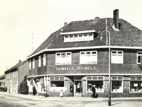 Bron: Rijckheyt.nl | Kruidenierswinkel annex stoffenzaak van Swinkels Michiels