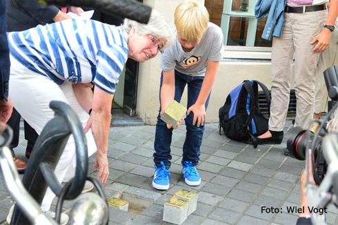 Bron: Wiel Vogt | Legging Stolpersteine