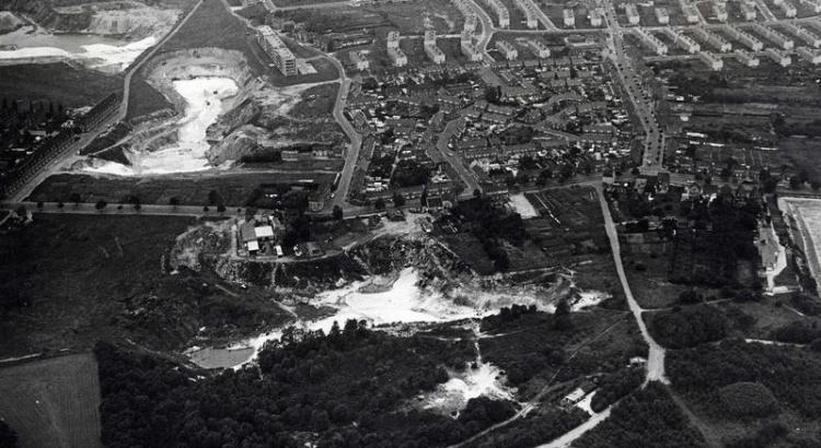 Bron: Rijckheyt.nl | Luchtfoto van 1965 van de zandgroeve