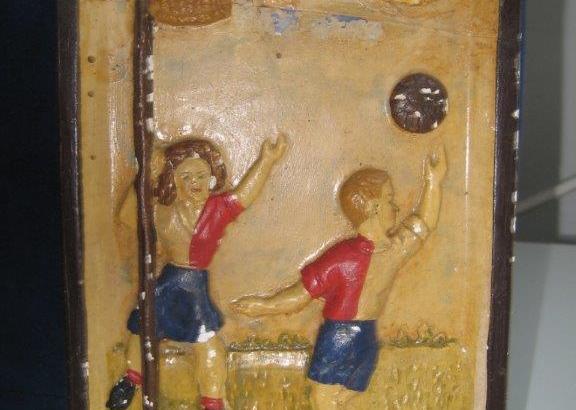 Bron: Privécollectie| Gedenkteken K.E.V. korfbalvereniging