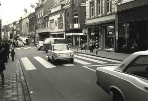 Bron: Rijckheyt.nl | Geleenstraat. Rechts de Saroleastraat (jaren '70)