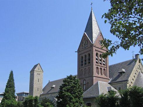 Bron: kerkgebouwen-in-limburg.nl | Westzijde kerk