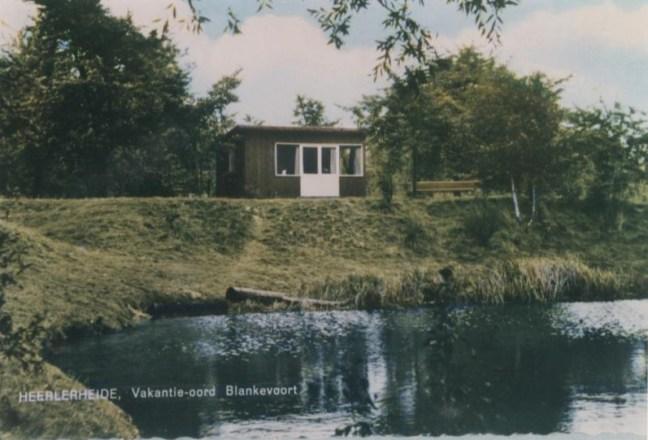 Bron: Rijckheyt | Een van de vakantiehuisjes aan de vijver zoals je die kon huren bij de familie Blankevoort.