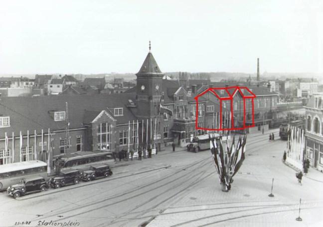 In rode kleur de contouren van het gehandhaafde eerste station. Het station van Nuth