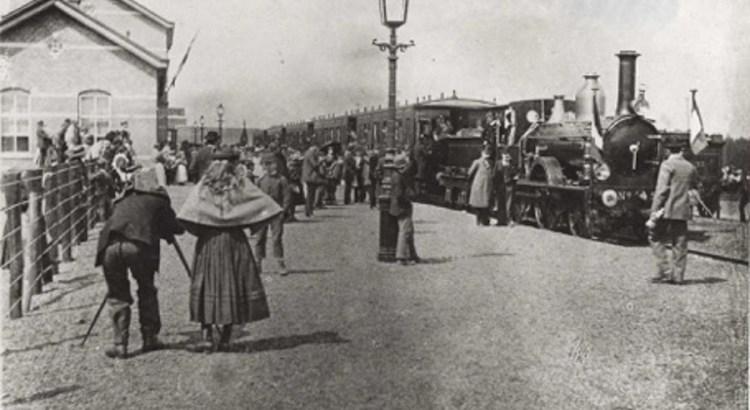 Opening van het eerste station in 1896.