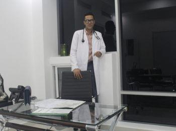 Dr. Jose Flores Breton