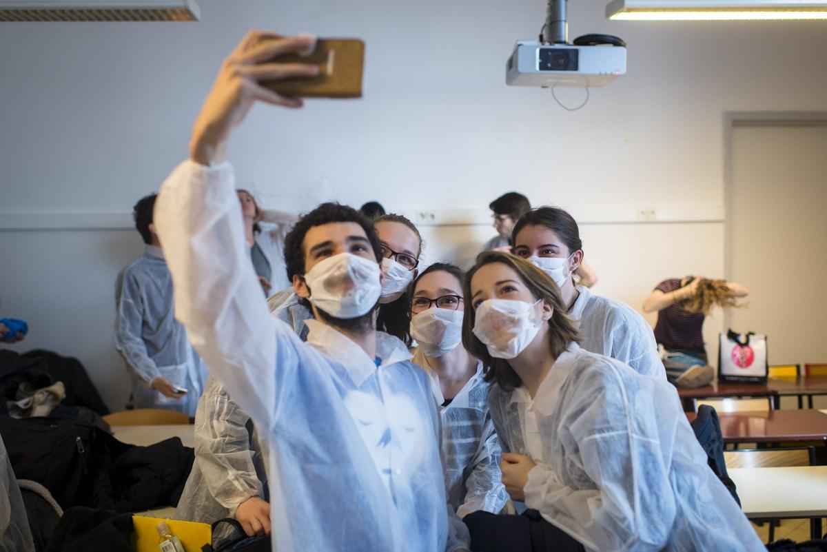 dernier selfie avant l'entrée en salle de dissection, les portables y sont interdits