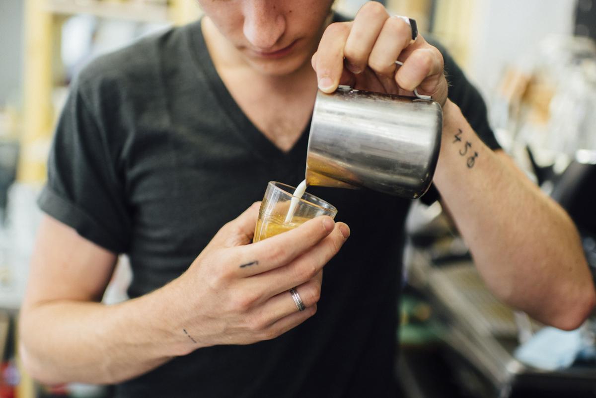 Avek Café