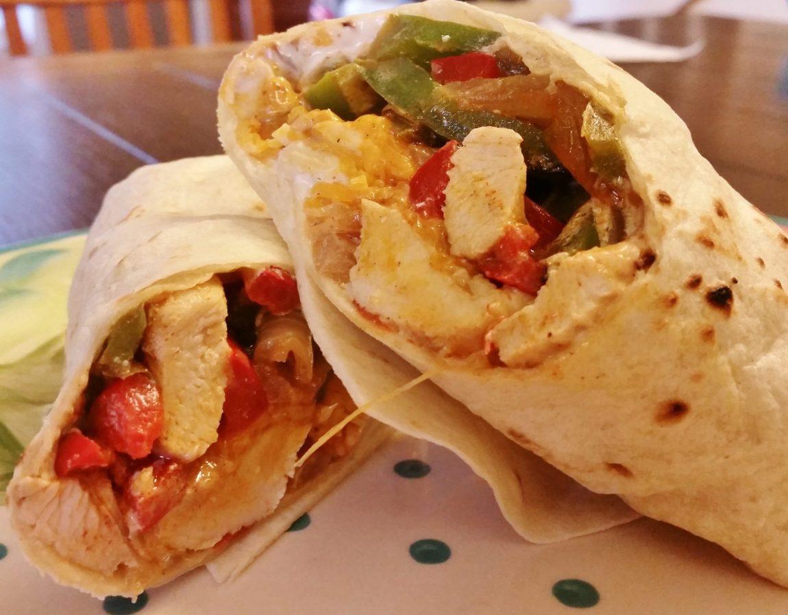 chicken fajita roll up