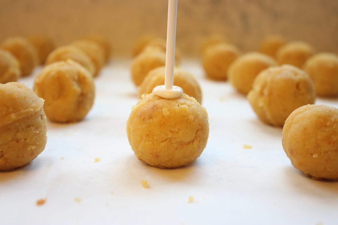 Vanilla Cream Cheese Cake Pops