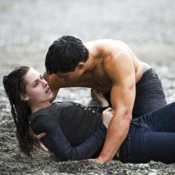 "Movie Review: ""New Moon"""