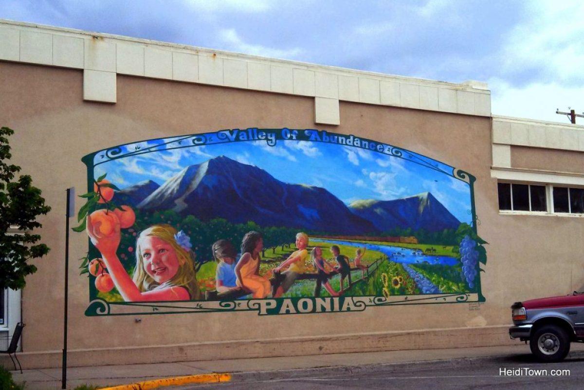Must-stop Colorado ice cream shops - Ollie's in Paonia, Colorado. HeidiTown.com
