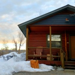 Three Comfy Colorado Cabin Getaways in the Mountains, Fireside Inn Cabins, Pagosa Springs. HeidiTown.com