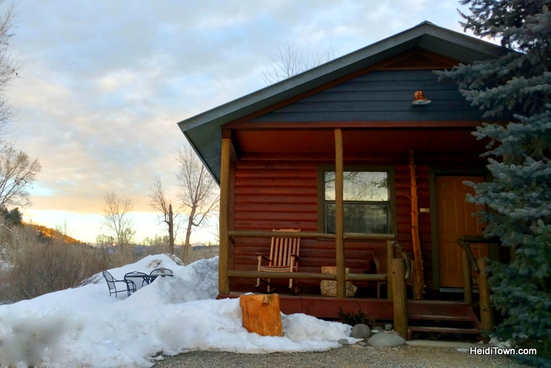 Three Comfy Colorado Cabin Getaways in the Mountains, Fireside Inn Cabins, Pagosa Springs. HeidiTown.com