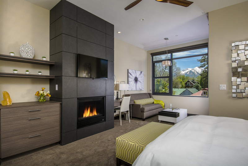 5 Unique Colorado Inns that Should be on Your Radar. The Distillery Inn Ginger Room. HeidiTown.com