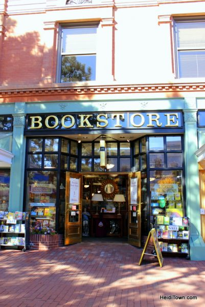The Mayor Goes Shopping on the Pearl Street Mall in Boulder, Colorado (7)