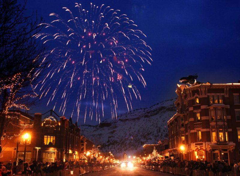 Firework Snowdown 08 Claude Steelman©