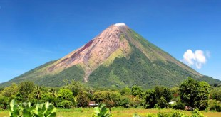 Sleepy isolated island Eden-like natural beauty spread active volcanoes in central America 5