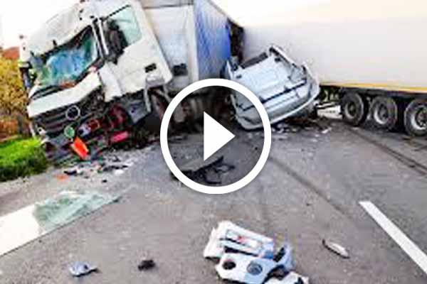 Saudi Arabia horrific vehicles accident claimed six people lives on highway.
