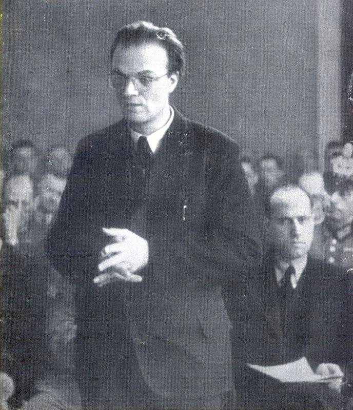 Kirchenmärtyrer Alfred Delp S.J. im Januar 1945 vor dem Volksgerichtshof