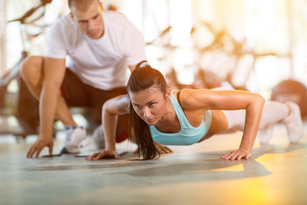 Training allein reicht nicht aus. Auch die Ernährung sollte entsprechend angepasst werden. Bild: Igor Mojzes - fotolia