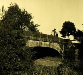 Düh01 000 1950RübsamenSchlumsBrigitteHeckZiegenbachbrücke
