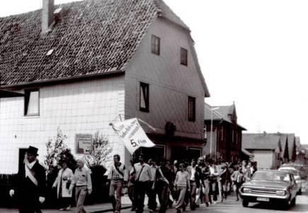 Mar11 100 1960RabeStümckeSchuleSchützenf