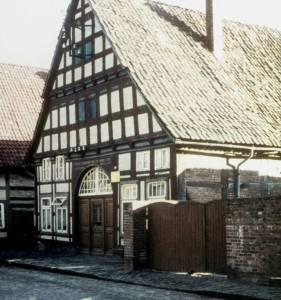 Mit04 097 1940 GerlachParkplatzRichterabger1963