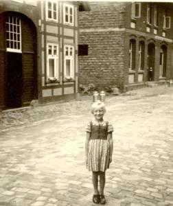 Obe14 018 1950 AnnemarieScheerObereStrGabert