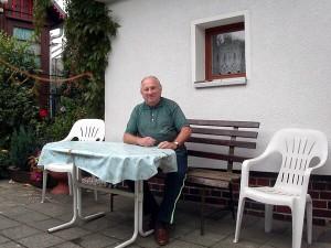 Heimgartenweg 5. Im Hof 2004.