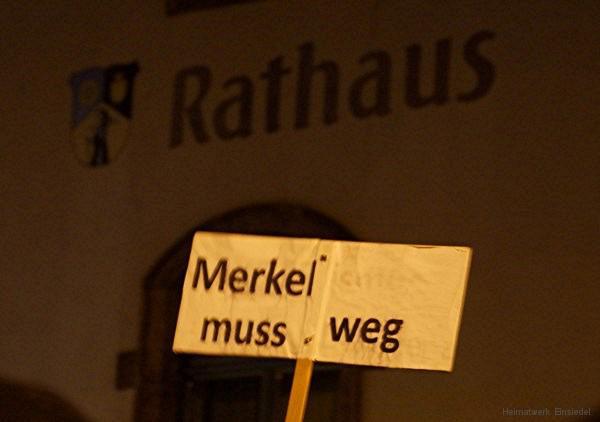 Merkel-muss-weg-Schild