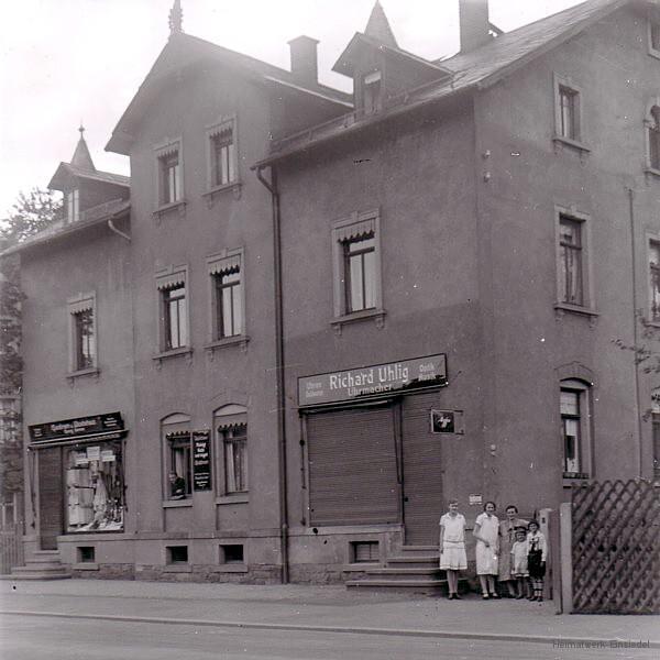 Zwei Geschäfte in der Hauptstr. 82
